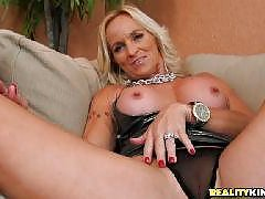 Milfs - Milf Hunter the original Milf (Moms Id Like to Fuck) site! Hot naughty amateur moms getting fucked in videos and pics.