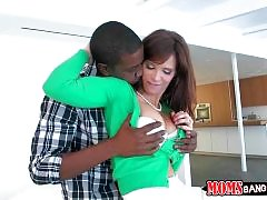 Syren Demer cheats on her husband with black guy Isiah Maxwell.
